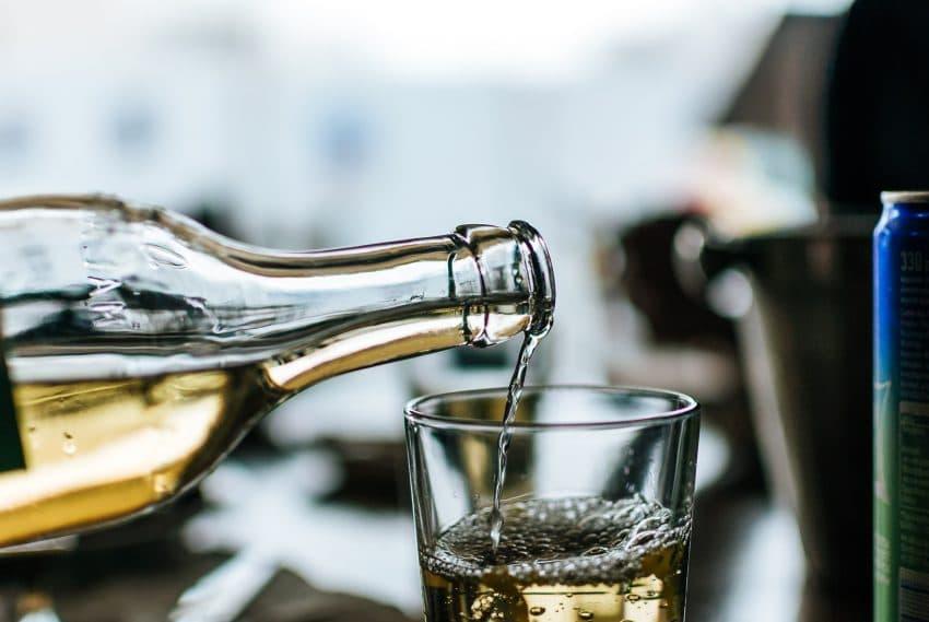 Vin transformat in gel dezinfectant. Solutia ingenioasa in lupta cu criza viticulturii