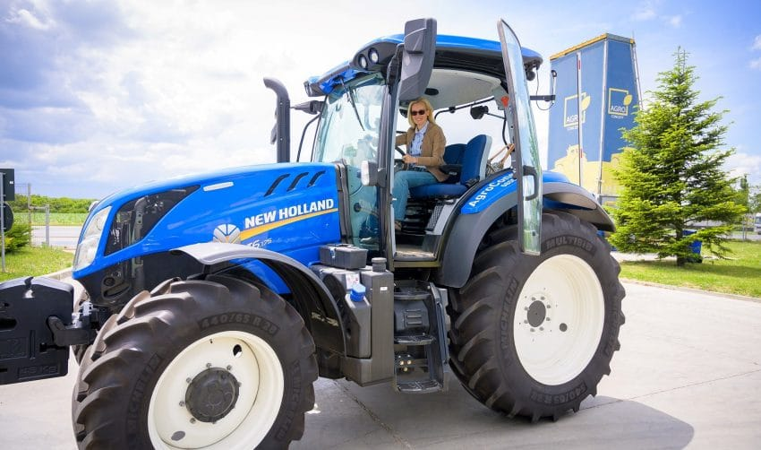 Romania va fi din nou… vazuta din tractor, la AGRO TV