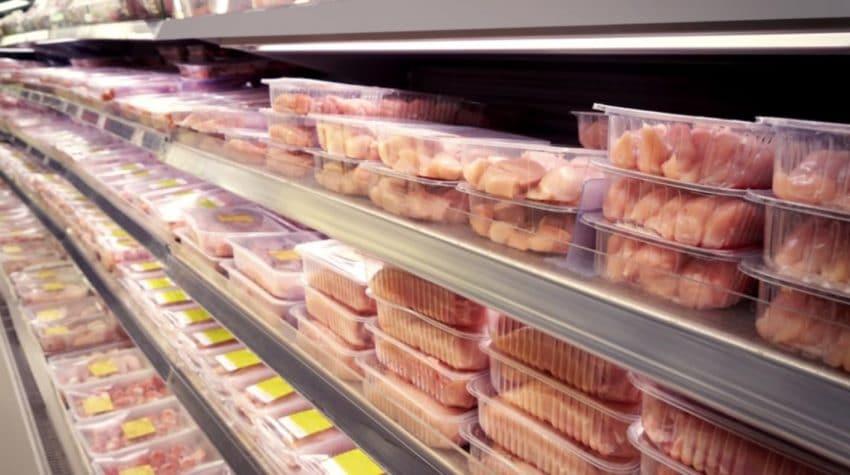 Pretul la carnea de pui in UE este la cel mai scazut nivel din ultimii 5 ani
