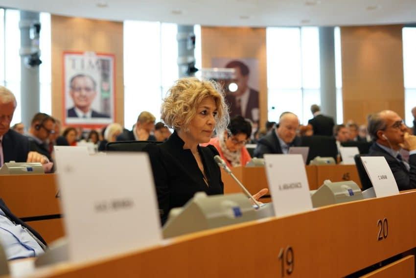 """Raspunsul MEP Carmen Avram la scrisoarea Apicultorilor Romani: """"Nu am cerut, amanarea/anularea trecerii la agricultura organica"""""""