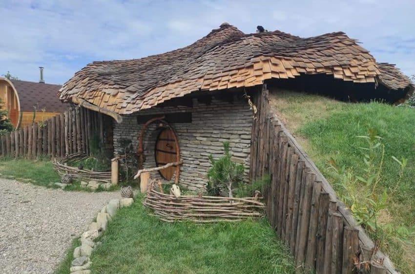 """Un loc de poveste – Ținutul desprins din """"Stăpânul Inelelor"""", în județul Neamț"""