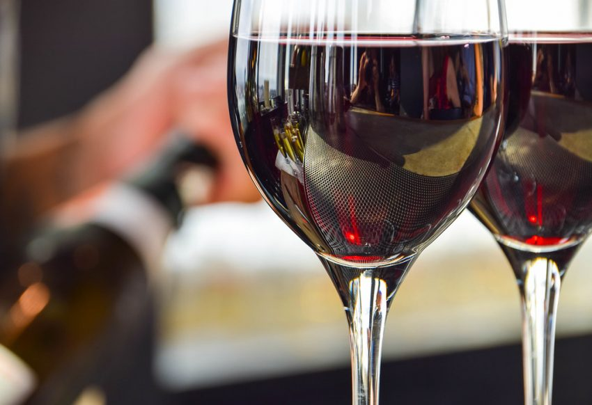 VIDEO Omul din spatele vinurilor de aur de la Pietroasa
