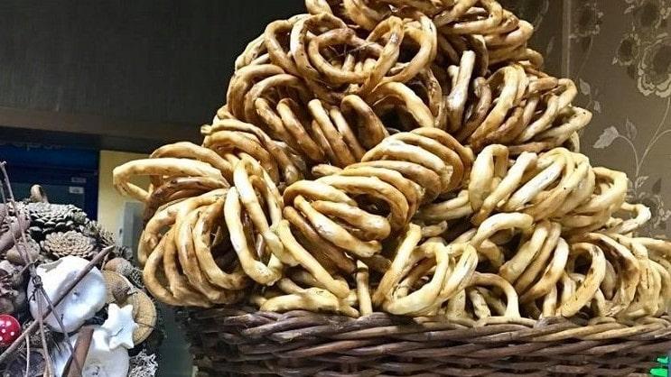 VIDEO Istoria de 200 de ani a unui produs tradițional – Covrigii de Buzău