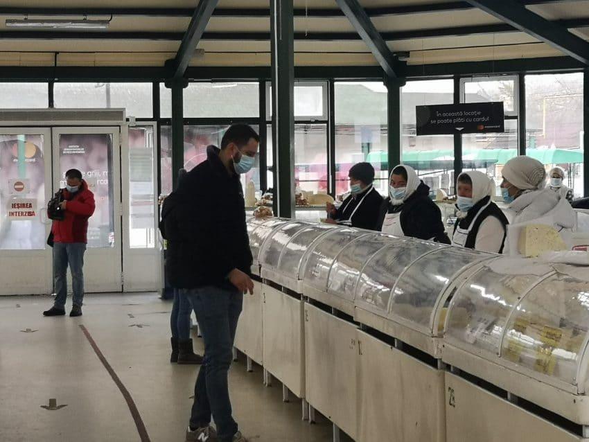 Producătorii se plâng de vânzări slabe și cu piețele deschise