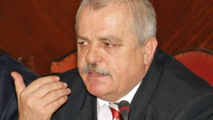 """""""Avem nevoie de un ministru precum Decebal Traian Remeș, altfel nu ieșim la liman"""""""