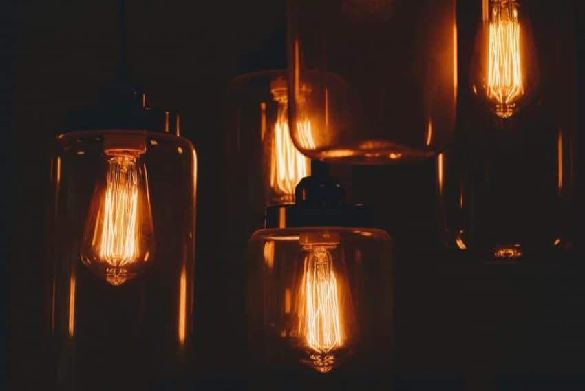 Liberalizarea pieței energiei electrice vine cu scumpiri?