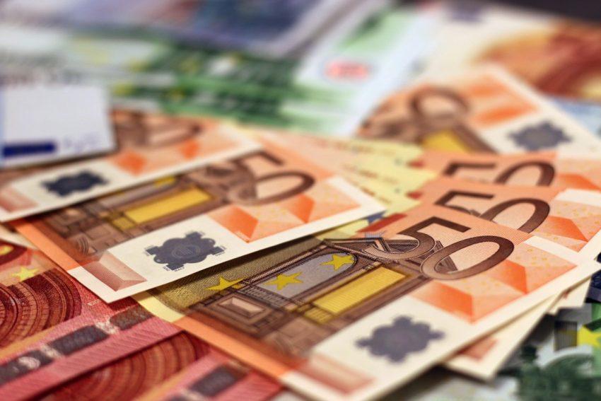 Fonduri europene pentru fermieri! Măsura anunțată astăzi de Ministerul Agriculturii