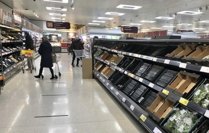 VIDEO Efectul Brexit: rafturi goale în Marea Britanie la raioanele de fructe și legume