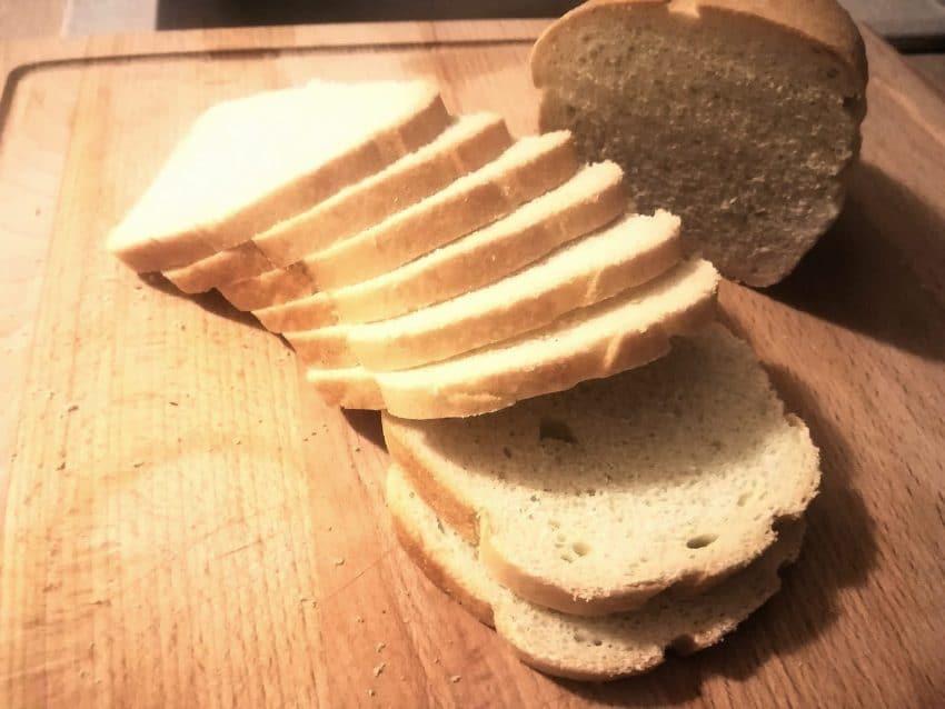 Acuzații la adresa ANSVSA și ANPC privind pâinea neambalată