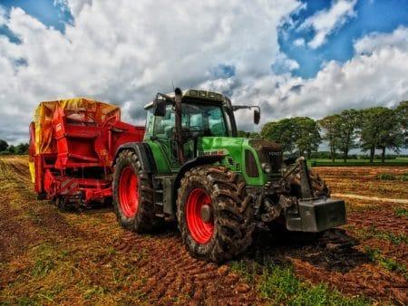 Amenzi URIAȘE pentru mai multe companii care vând utilaje agricole